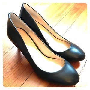 Banana Republic Yvonne Black Leather Heels